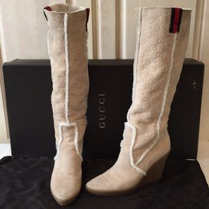 62b4998f726 Gucci Authentic GG Logo Suede Wedge Boots